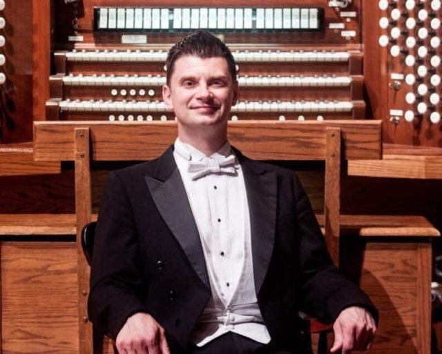 Trey Clegg and First Congregational Church Presents Weekly Mini Organ Recitals